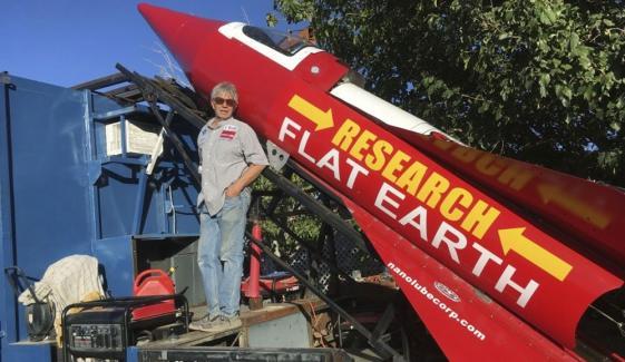 خطروں کے کھلاڑی مائیک ہیوز راکٹ حادثے میں ہلاک