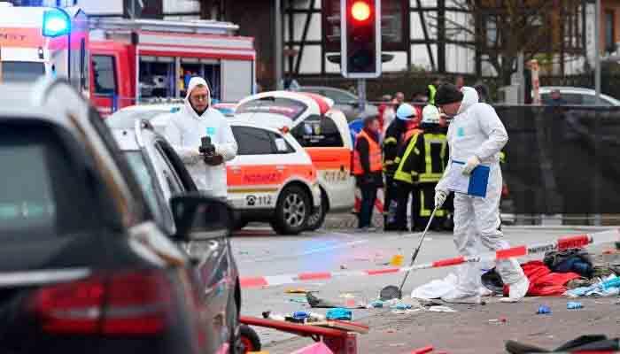 جرمنی ، ایک شخص نے کار ہجوم  پر چڑھادی، 30 افراد زخمی
