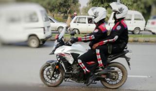 راولپنڈی: ڈولفن فورس کی فائرنگ سے 2 موٹرسائیکل سوار ہلاک