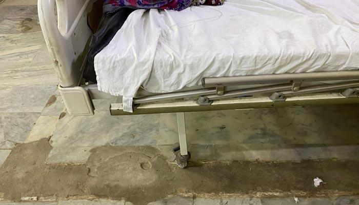 لیاری جنرل اسپتال کا شعبہ حادثات عملاً غیرفعال، ڈسپنسری میں تبدیل