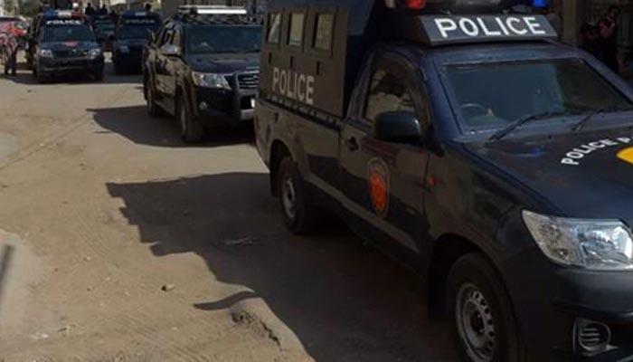 کراچی: خالی پلاٹ سے ملنے والی لاش کا معمہ حل