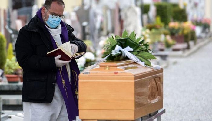 کورونا وائرس: دنیا بھر میں17ہزار سے زائد اموات