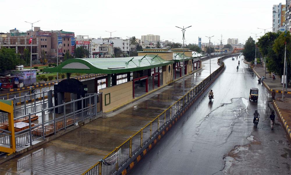 کراچی میں گرج چمک کیساتھ مزید بارش ہو گی