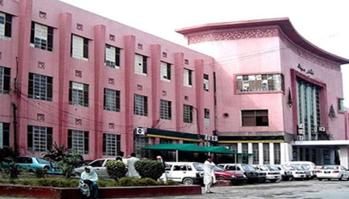 ملتان :نشتر اسپتال میں10 مشتبہ مریضوں کی رپورٹ موصول