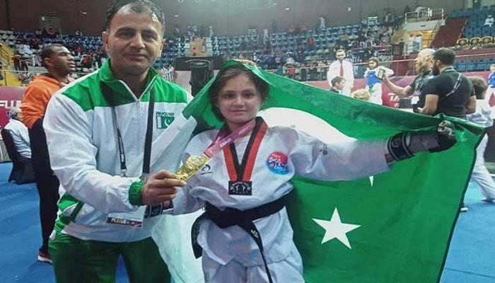 نو سالہ عائشہ ایاز تائی کوانڈو چیمپیئن
