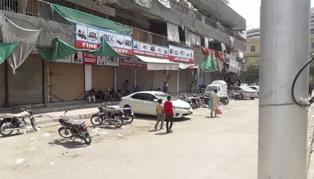 کراچی لاک ڈاؤن، 2 گھنٹے کیلئے جانوروں کے چارے کی دکانیں بھی کھلیں گی