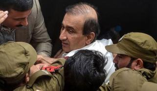 میر شکیل الرحمٰن کی گرفتاری کے خلاف 3 انگریزی اخباروں کے اداریے