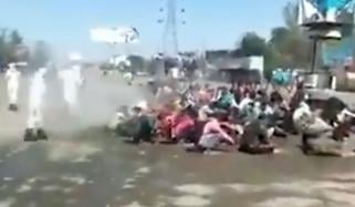مودی سرکار کا غیر انسانی اقدام، شہریوں پر بلیچ اسپرے