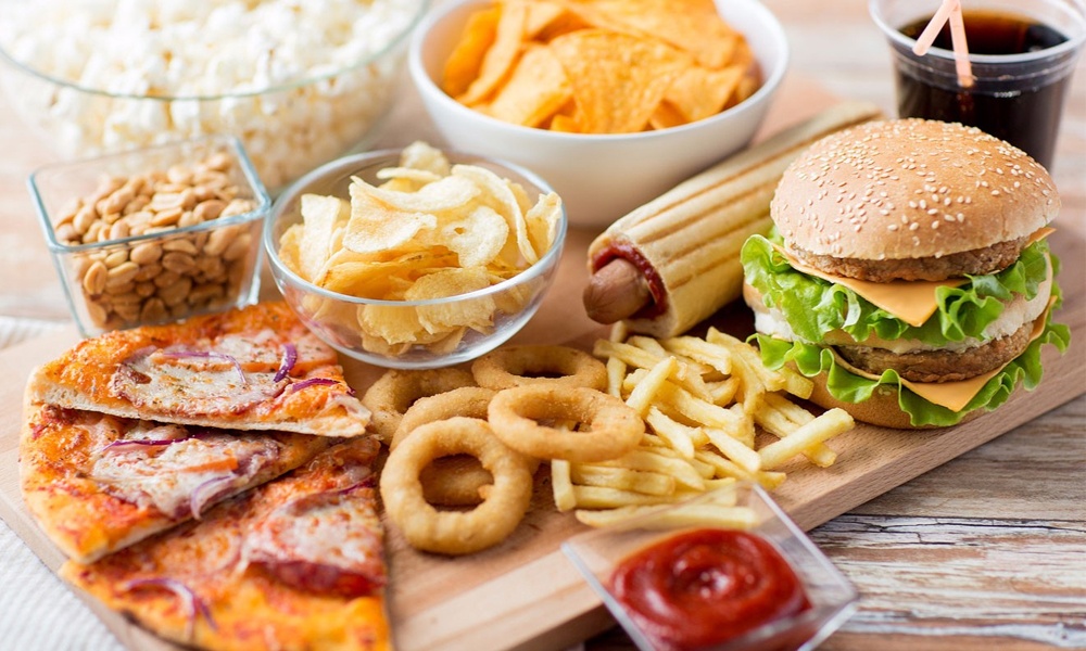 کھانوں میں نمک کی زیادتی آپکو کمزور کر سکتی ہے