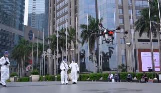 ڈرونز سے جکارتا کی سڑکوں پر جراثیم کش ادویات کا اسپرے