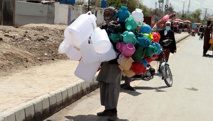 کوئٹہ میں غریب افراد پریشان، امدادی پیکیج اعلان تک ہی محدود
