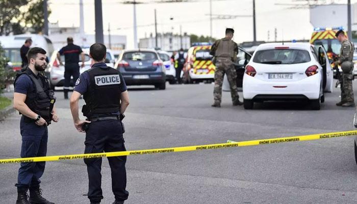 پیرس: چاقو سے حملے میں 2 افراد ہلاک
