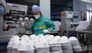 چین نے اب تک تین کروڑ 75 لاکھ حفاظتی لباس فروخت کرچکا