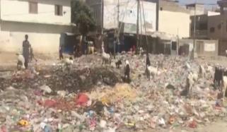 کراچی: ایک بار پھر جگہ جگہ کچرے کے ڈھیر لگ گئے