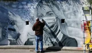 فرنٹ لائن ہیروز کو خراج تحسین پیش کرنے کا منفرد انداز