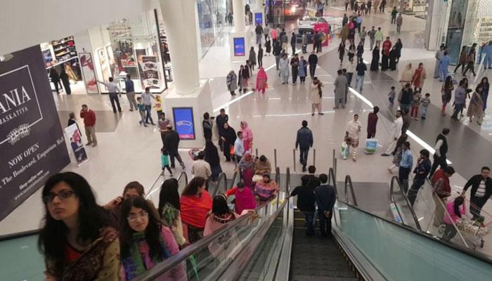 پنجاب میں پیر سے شاپنگ مال، حجام، سیلون کھلیں گے