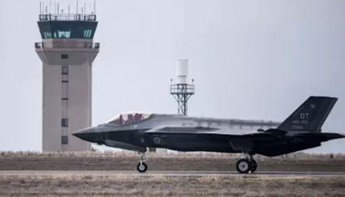 امریکی فضائیہ کا لڑاکا طیارہ گرکر تباہ، پائلٹ محفوظ