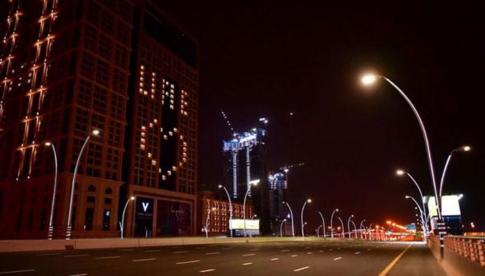 بحرین: آئسولیشن وارڈز میں روبوٹ تعینا ت، امارات میں بندشیں لاگو