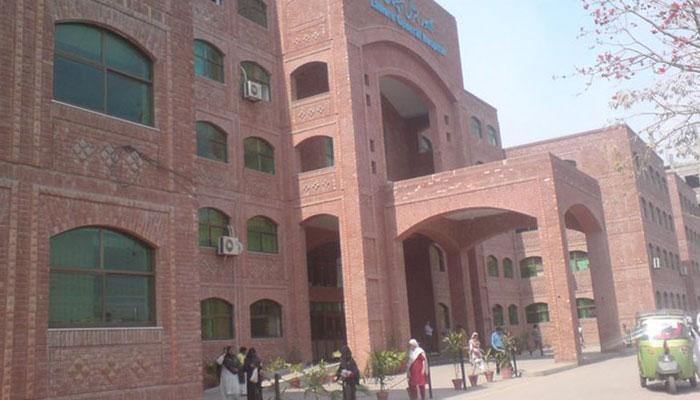 لاہور جنرل اسپتال کے 18 ڈاکٹر کورونا سے متاثر