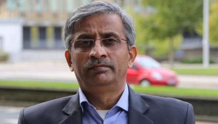 کراچی،گر کر تباہ ہونے والے طیارے میں سینئر صحافی انصار نقوی بھی سوار تھے