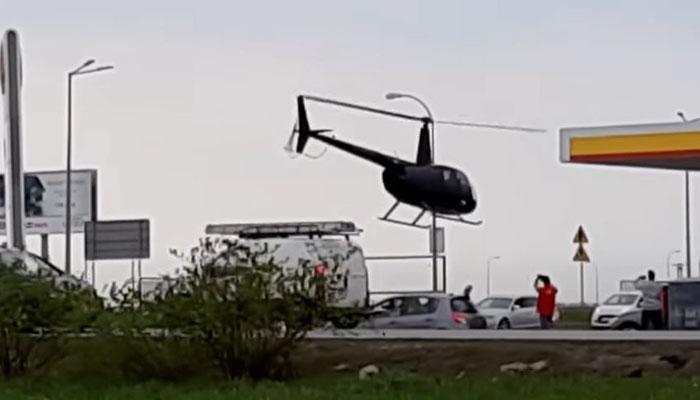 ہیلی کاپٹر کو پیٹرول پمپ پر اتارنے کی حیرت انگیز ویڈیو