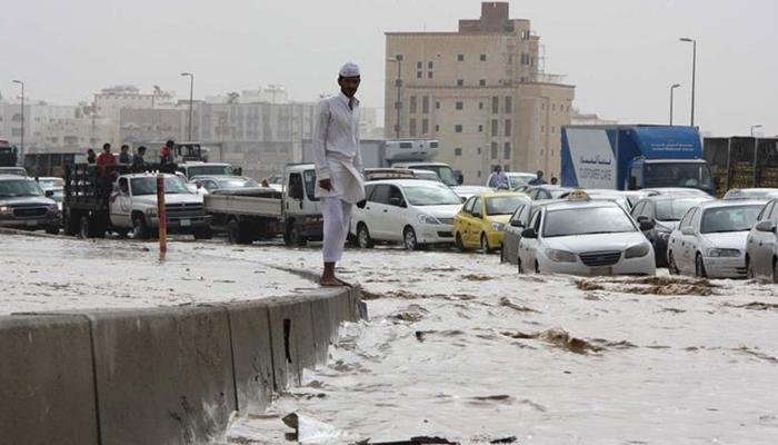 سعودی عرب، سیلابی ریلے میں بہہ کر 2 افراد جاں بحق