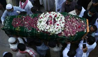 طیارہ حادثہ، 2 افراد راولپنڈی میں سپرد خاک