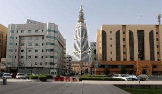 سعودی عرب: سرکاری و نجی اداروں میں اتوار سے کام کی اجازت