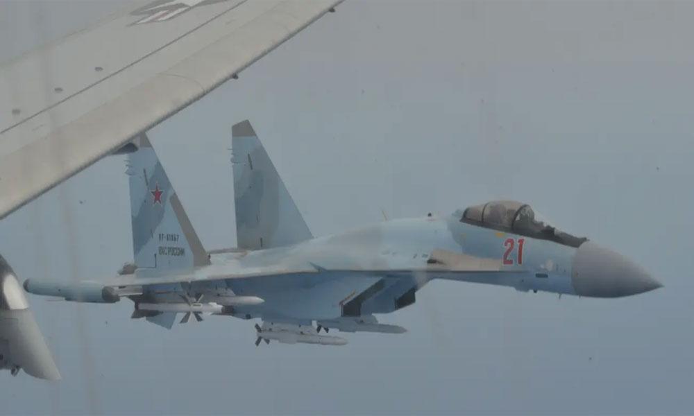 روسی لڑاکا طیاروں نے امریکی جہاز کو روک لیا