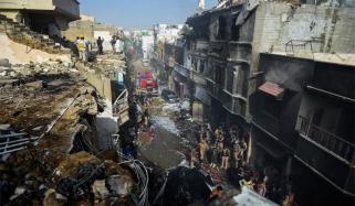 طیارہ حادثہ: غیر ملکی ٹیم ملبے اور آلات کے نمونے لے گی