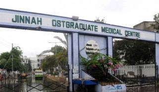 کراچی: نجی اور سرکاری اسپتالوں میں کورونا مریضوں کے وارڈز بھرگئے
