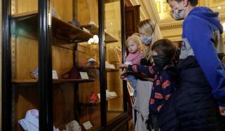 جمہوریہ چیک: قومی عجائب گھر کورونا ماسک سے سج گیا