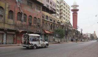 کراچی میں سخت لاک ڈاؤن کا آغاز ہوگیا