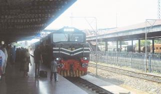 پاکستان ریلویز کا مزید ٹرینیں بحال کرنے کا فیصلہ