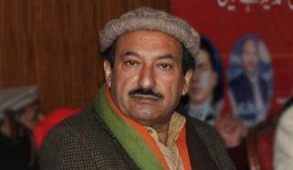 شاہ محمود قریشی استعفیٰ دیں: زاہد خان