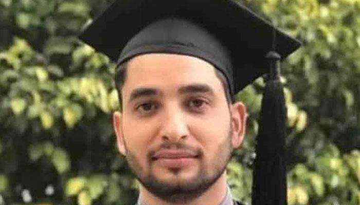 کورونا کے خلاف جنگ میں جان کی بازی ہارنے والے پاکستانی ہیروز