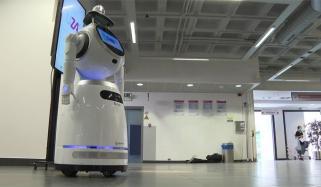 بیلجیم کے اسپتال میں کورونا اسکریننگ کیلئے روبوٹ کا استعمال
