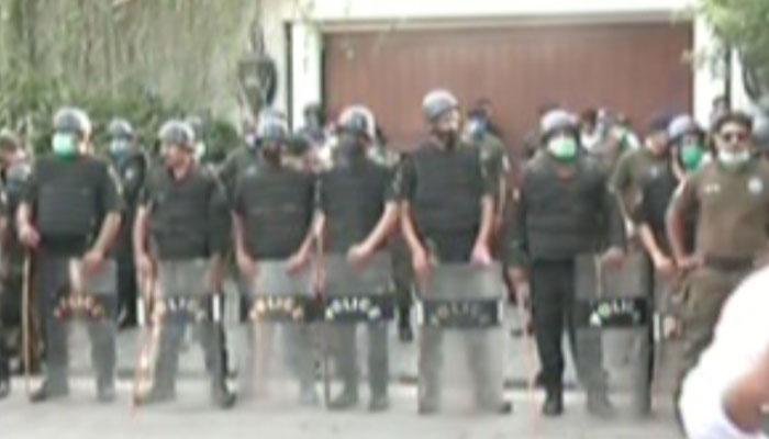 نیب ٹیم شہباز شریف کو گرفتار کیے بغیر واپس روانہ