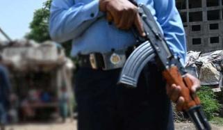 وفاقی پولیس اہلکاروں کو لفٹ لینےسے روک دیا گیا