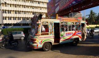 کراچی میں کل سےپبلک ٹرانسپورٹ چلانے کی اجازت