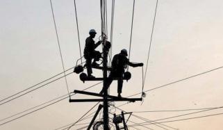 کراچی، تیز آندھی کے بعد کئی علاقے تاحال بجلی سے محروم