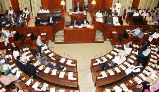 سندھ اسمبلی: نصرت سحر کی تنقید، وزیر صحت غصہ ہوگئیں