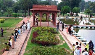 پنجاب حکومت کا کل سے لاہور کے پارکس کھولنے کا اعلان