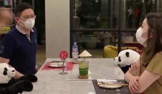 تھائی لینڈ: ریسٹورنٹ میں سماجی فاصلے کو یقینی بنانے کیلئے منفرد اقدام