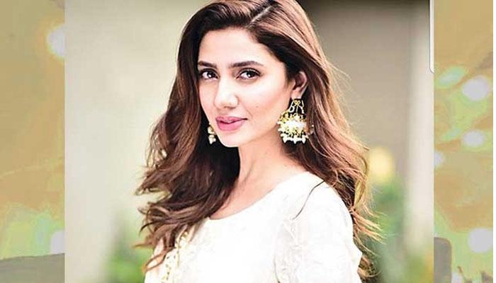 رنگت گوری کرنے والی مصنوعات کی کبھی حمایت نہیں کی : ماہرہ خان