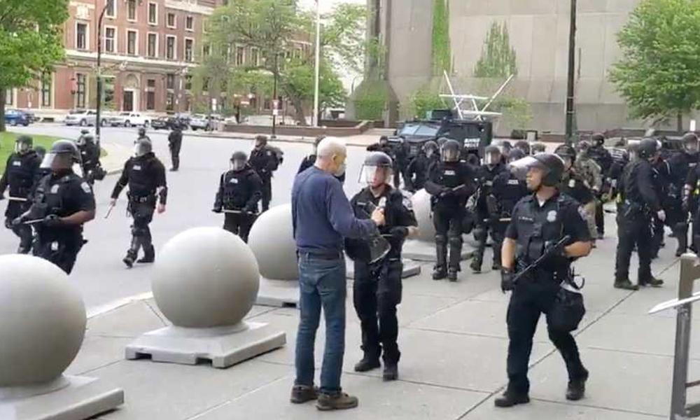 نیویارک ،2 ساتھیوں کی معطلی پر55 پولیس افسران احتجاجاً مستعفی