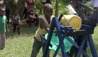 9 سالہ بچے نے ہینڈ واشنگ مشین تیار کرلی