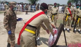 وزیرستان میں شہید ہونے والے نائیک محمد نثار سپرد خاک