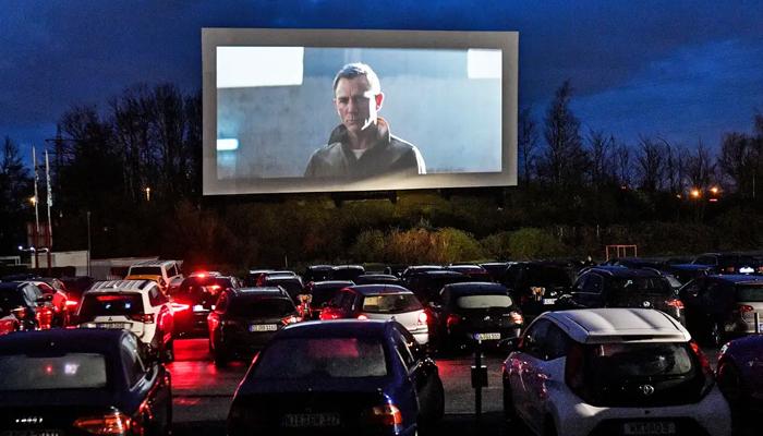 نیویارک میں ڈرائیو ان سینما مقبول ہونے لگا