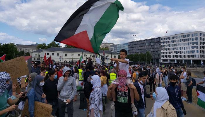اسرائیل کے خلاف برسلز میں فلسطینیوں کا مظاہرہ، رہنمائوں کا خطاب